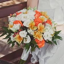 Букеты на свадьбу: заказывайте цветы у надежных профессионалов
