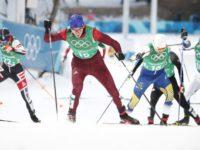 Лыжники Большунов и Спицов завоевали серебро в командном спринте Олимпиады