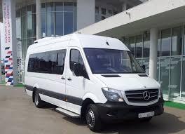 Заказываем микроавтобус: основные преимущества данного транспортного средства