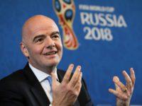 Президент ФИФА пообещал выучить русский и вернуться в Россию-«страну футбола»